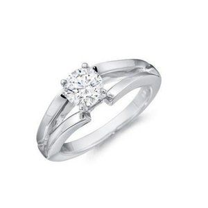 1.5 ct Solitaire sparkling round cut diamond engag